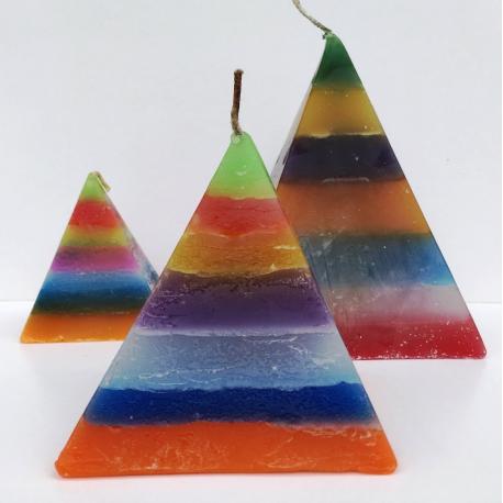 Vela Pirámide Pequeña 7 Colores, 7cm base x 9cm altura
