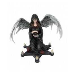 ANGEL OSCURO CON CANDELABRO